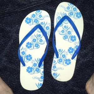 Roxy floral flip flops